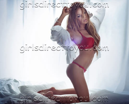 Vegas Escorts | Janet Kneeling Photo | Girls Direct To You